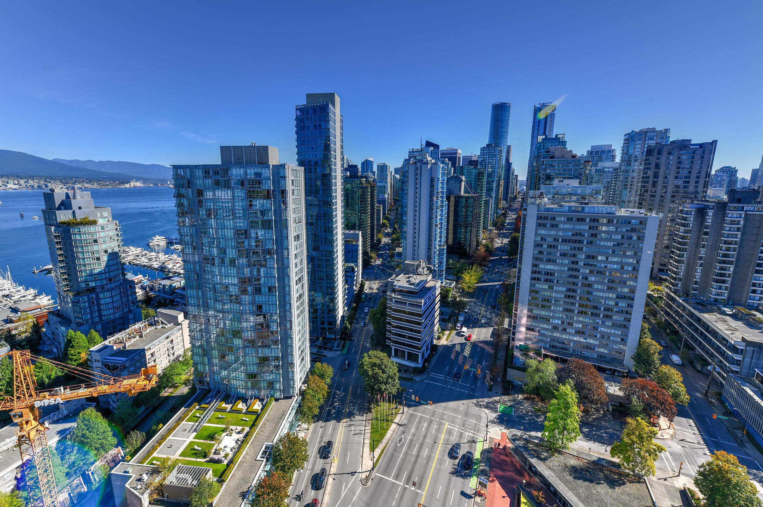 Vancouver Condos   Oasis Kitchens